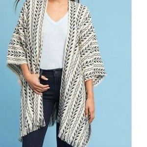 Anthropologie Do Everything in Love Poncho